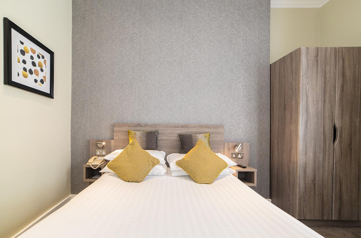 Phoenix Hotel Single Room
